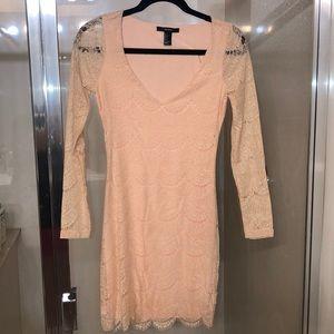 Peach lace dress 🍑✨